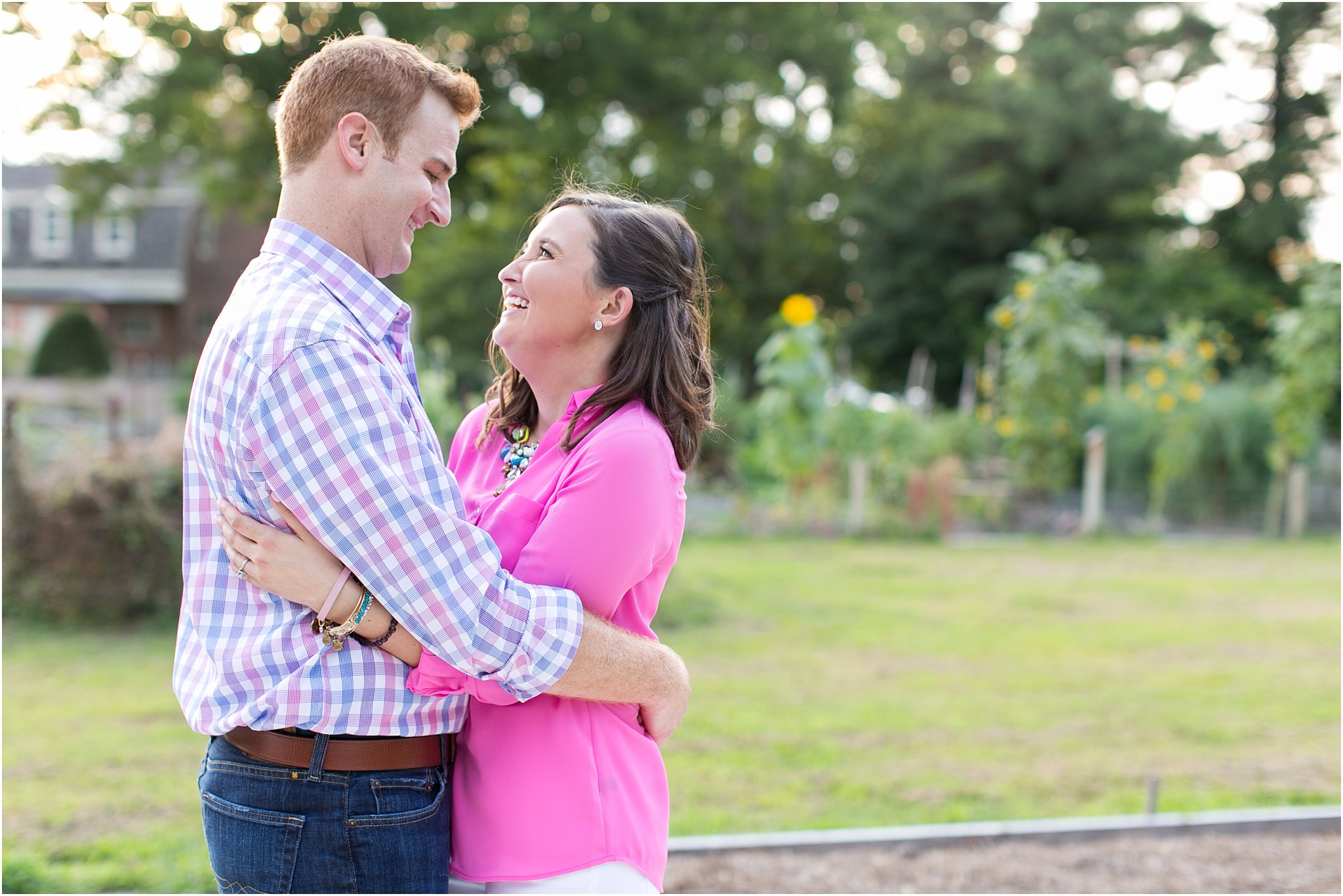 jessica_ryan_photography_virginia_virginia_beach_francis_land_house__portraits_bride_and_groom_beloved_historical_home_engagement_portraits_candid_authentic_engagements_2731