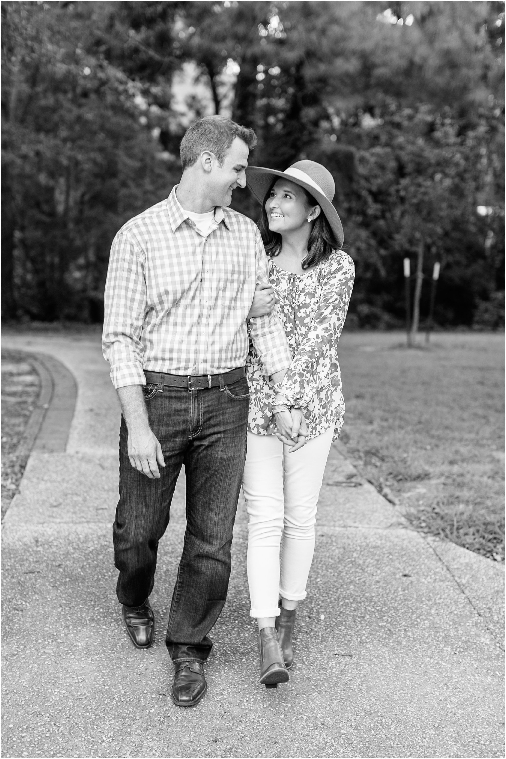 jessica_ryan_photography_virginia_virginia_beach_francis_land_house__portraits_bride_and_groom_beloved_historical_home_engagement_portraits_candid_authentic_engagements_2738