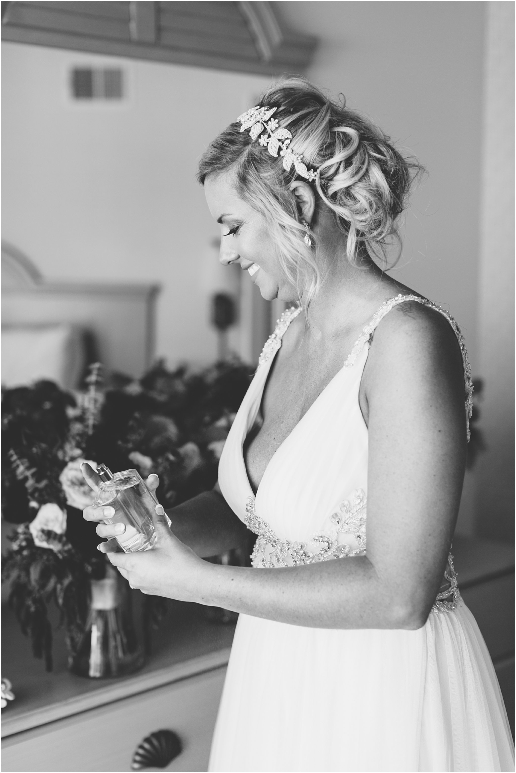 jessica_ryan_photography_virginia_wedding_photographer_candid_authentic_hampton_roads_wedding_photography_marina_shores_yacht_club_first_landing_state_park_woodland_theme_garden_3269
