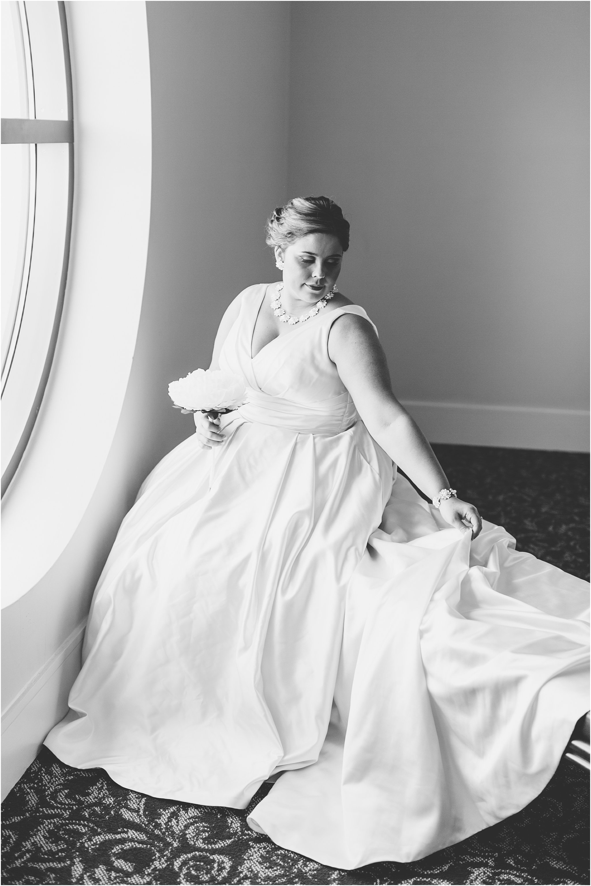 va_jessica_ryan_photography_virginia_wedding_norfolk_harrison_opera_house_norfolk_arts_district_portraits_3778