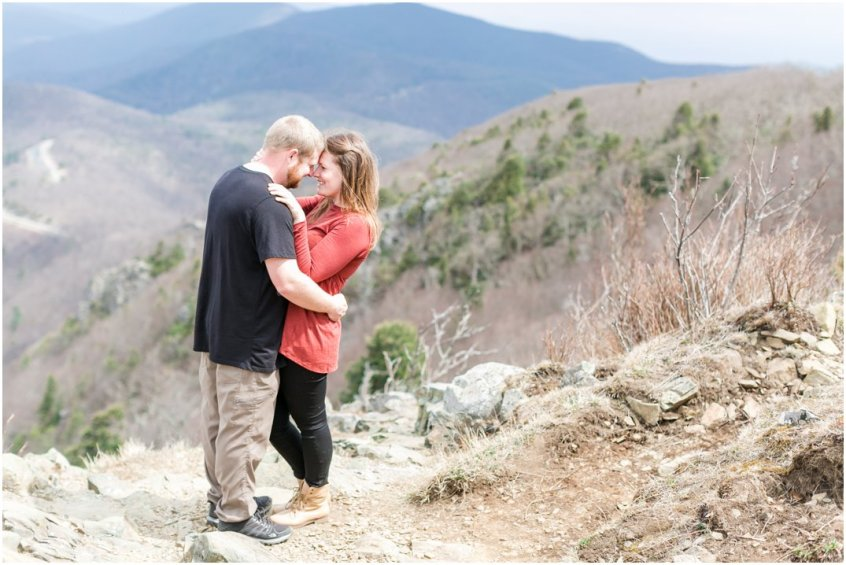 Jessica_ryan_photography_virginia_adventure_sessions_blue_ridge_mountains_couple_1180