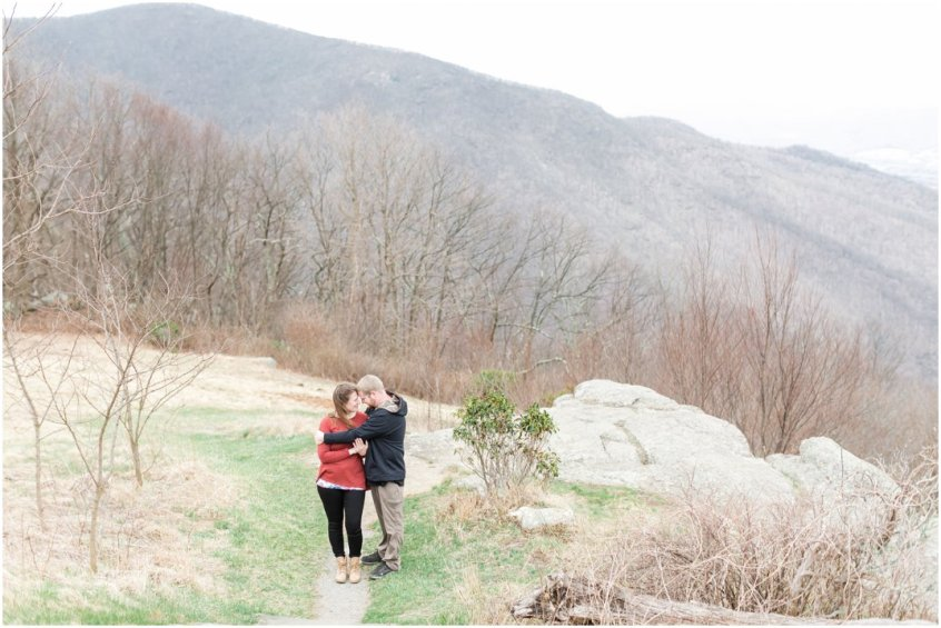Jessica_ryan_photography_virginia_adventure_sessions_blue_ridge_mountains_couple_1188