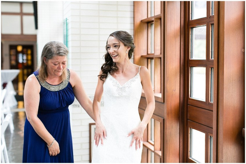 musuem of contemporary art wedding, MOCA wedding, virginia beach wedding photographer