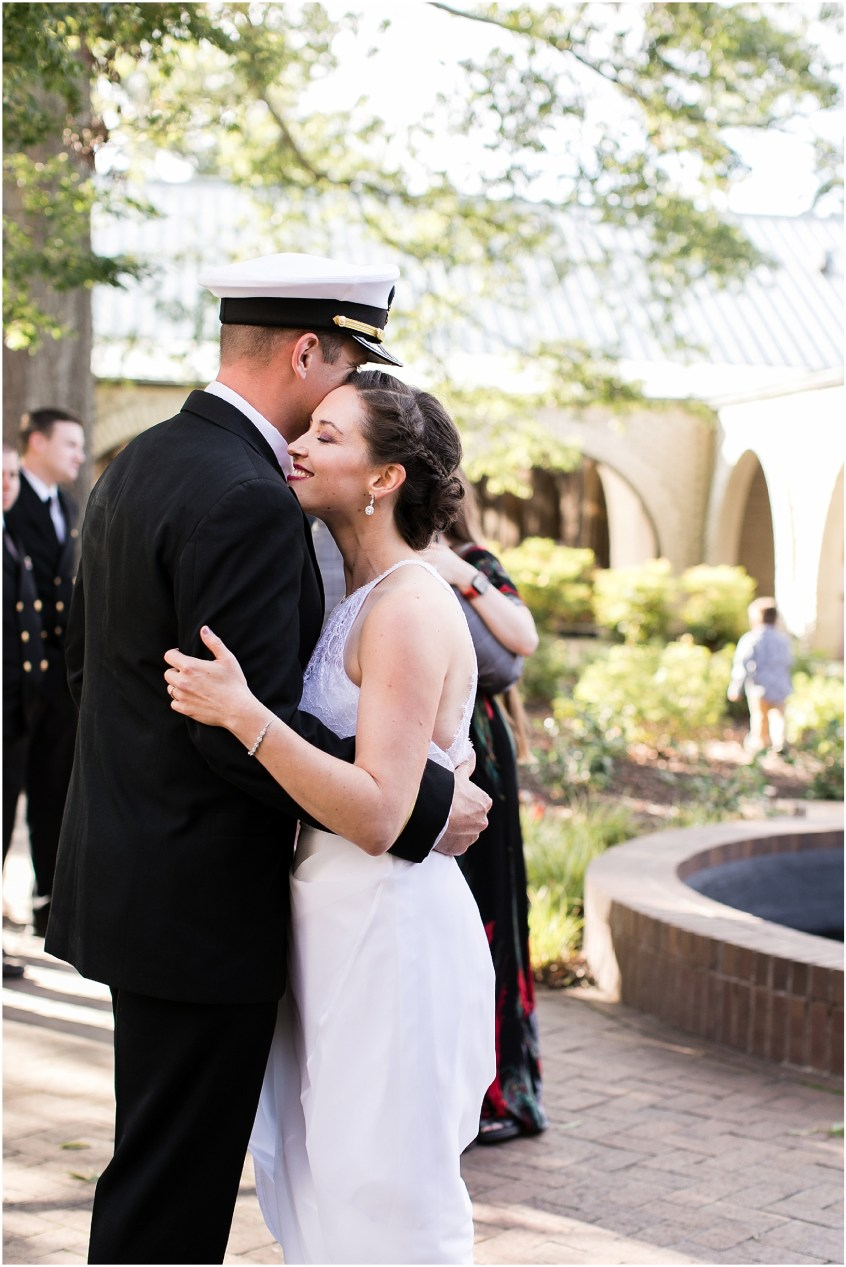world traveling couple, travel wedding details, afternoon wedding at the Mariner's Museum Wedding afternoon reception