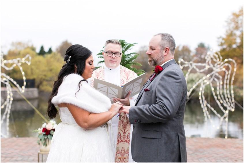 founders inn holiday wedding, Christmas wedding, outdoor winter ceremony