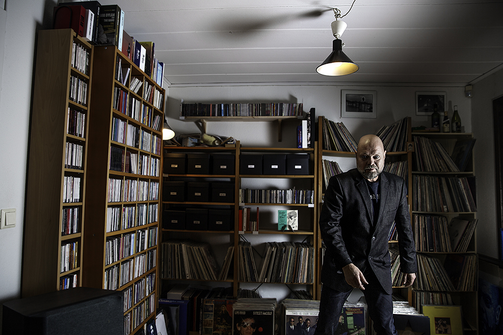 Peter Lemarc i sitt LP rum