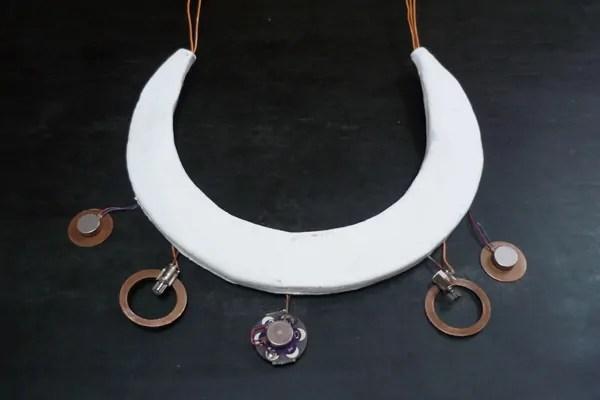 Wreath of Namazu {earthquake necklace}