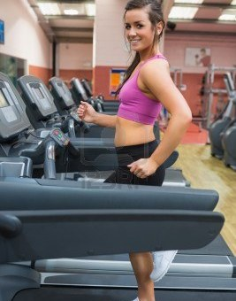bieganie na siłowni na bieżni jestesmyfajni co to ja miałem duże cycki