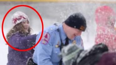 Ta mała dziewczynka rzuciła śnieżką w policjanta. Zobacz jego niebywałą reakcję!