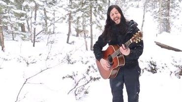 Próbowaliście kiedyś śpiewać w lesie? Uważajcie, bo możecie mieć nietypową i groźną publiczność!