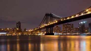 Na jak małej przestrzeni można mieszkać? Pewnemu mężczyźnie wystarczyło zaledwie 1,4 metra² pod przęsłami Manhattan Bridge