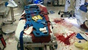 Pielęgniarz miał już dość pretensji lekko chorych ludzi czekających na izbie przyjęć i zamknął wszystkim usta publikując TO zdjęcie!