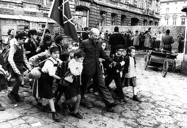 15 ważnych reguł wychowania dzieci według Janusza Korczaka. Każdy rodzic powinien się z nimi zapoznać!