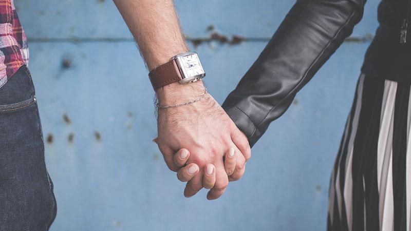 Jak odróżnić pożądanie od prawdziwej miłości? Tych 5 złotych wskazówek uchroni cię przed pomyłką