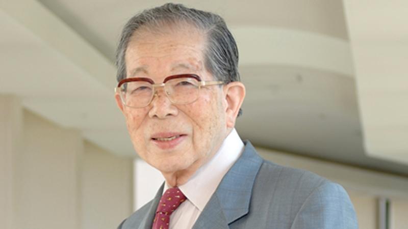 """""""Pracuj długo, a pożyjesz jeszcze dłużej"""" - to jedna z rad japońskiego doktora, który żył 105 lat. Poznaj wszystkie jego wskazówki i zacznij je stosować"""