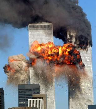 Ataki na WTC i Pentagon 11 września 2001 roku bezpowrotnie zmieniły świat, a zdjęcia obrazujące tragedię wciąż poruszają z ogromną siłą