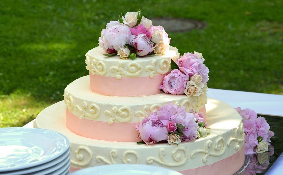 Nikt nie wierzył, że ten tort da się uratować. Wtedy pojawiła się ona i zrobiła coś, w co trudno uwierzyć!