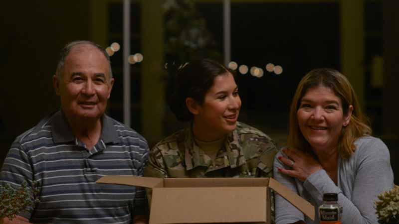 Jak często mówimy swoim rodzicom, że są wspaniali? Elva uświadomiła sobie, że nie zrobiła tego nigdy, dlatego wysłała im pewien prezent...