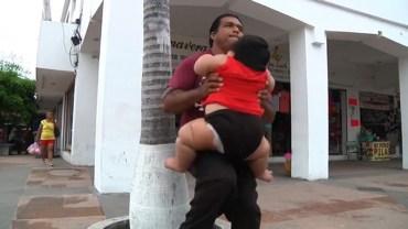 Luis ma zaledwie 10 miesięcy, ale waży już tyle, co 9-latek. Urodził się z okrutną chorobą, która sprawia, że je bez opamiętania