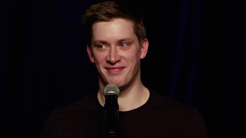 Słynny komik zadał tylko 2 pytania i zmienił nie do poznania życie 17 tys. par. Też je sobie zadaj, jeśli się nie boisz
