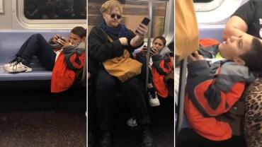 Dzieciak nie chciał posunąć nóg w metrze. Jego mina była bezcenna, kiedy jeden z pasażerów bezceremonialnie na nich usiadł