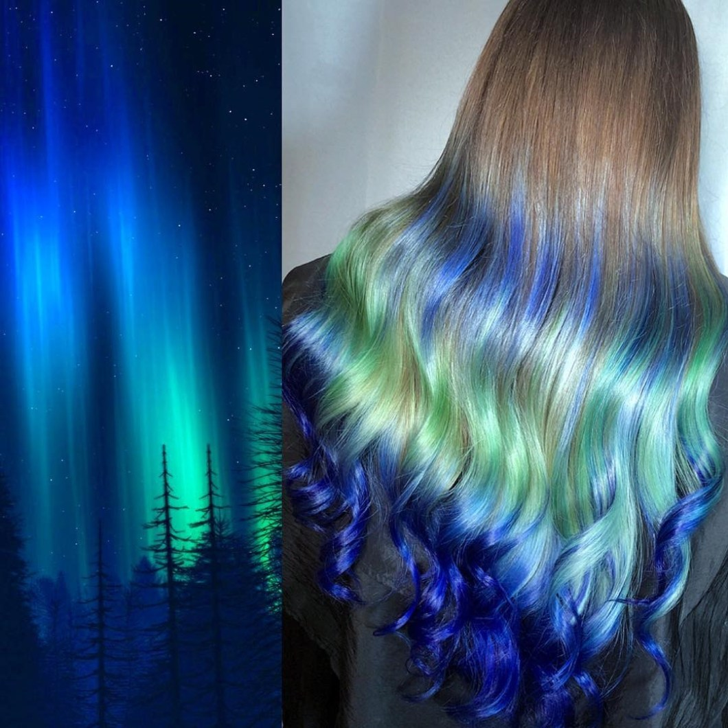 Artystka farbuje włosy na zorzę polarną, mgławicę lub koralowiec! Jej dzieła to żywa kopia cudów natury