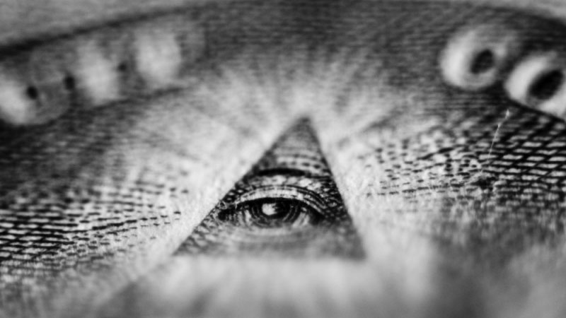 7 teorii spiskowych, które wywołały poruszenie u setek ludzi. 5 jest całkiem wiarygodna