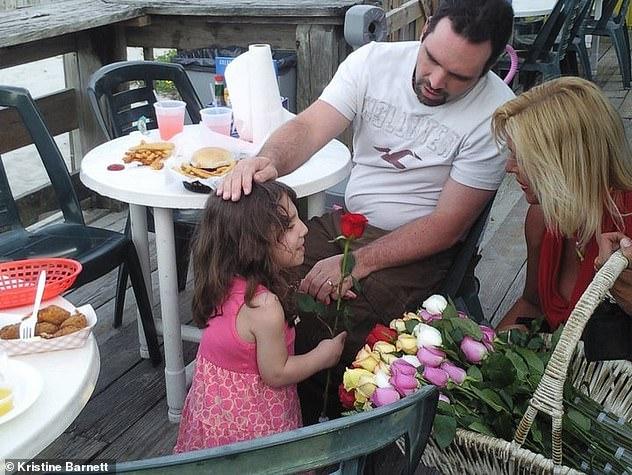 Para adoptowała uroczą 6-latkę, która próbowała ich zabić. Nie była tym, za kogo się podawała...
