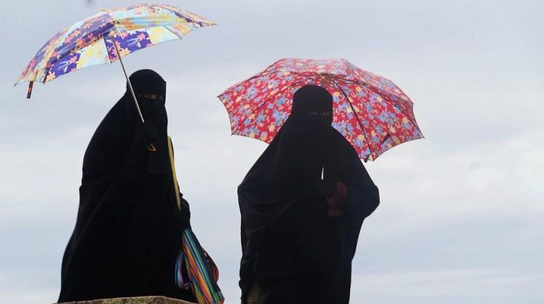 W Iranie usunięto wszystkie kobiety z okładek albumów muzycznych. Ta cenzura jest oburzająca i śmieszna zarazem