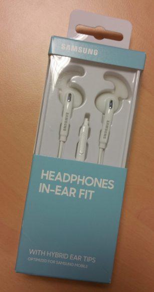 """Boite des écouteurs Samsung officiels stéréo """"In-Ear fit"""""""