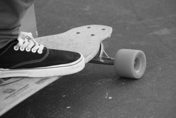 skateboard 1522343400 580x387 - Skateboard électrique : comment bien le choisir ?