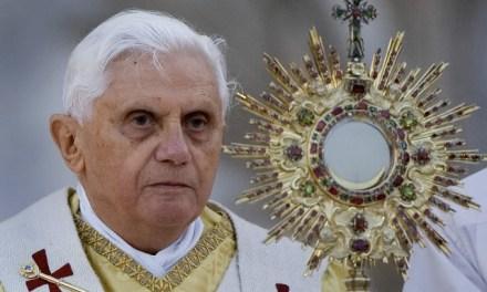 Homilía del Papa Benedicto XVI en Corpus Christi (2012).