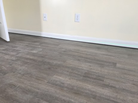 Floor And Wall Gaps S Separation, How To Fix Separated Laminate Flooring