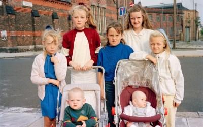 Mères, filles, sœurs – Tom Wood