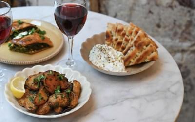 Filakia, Petit Café d'Athènes