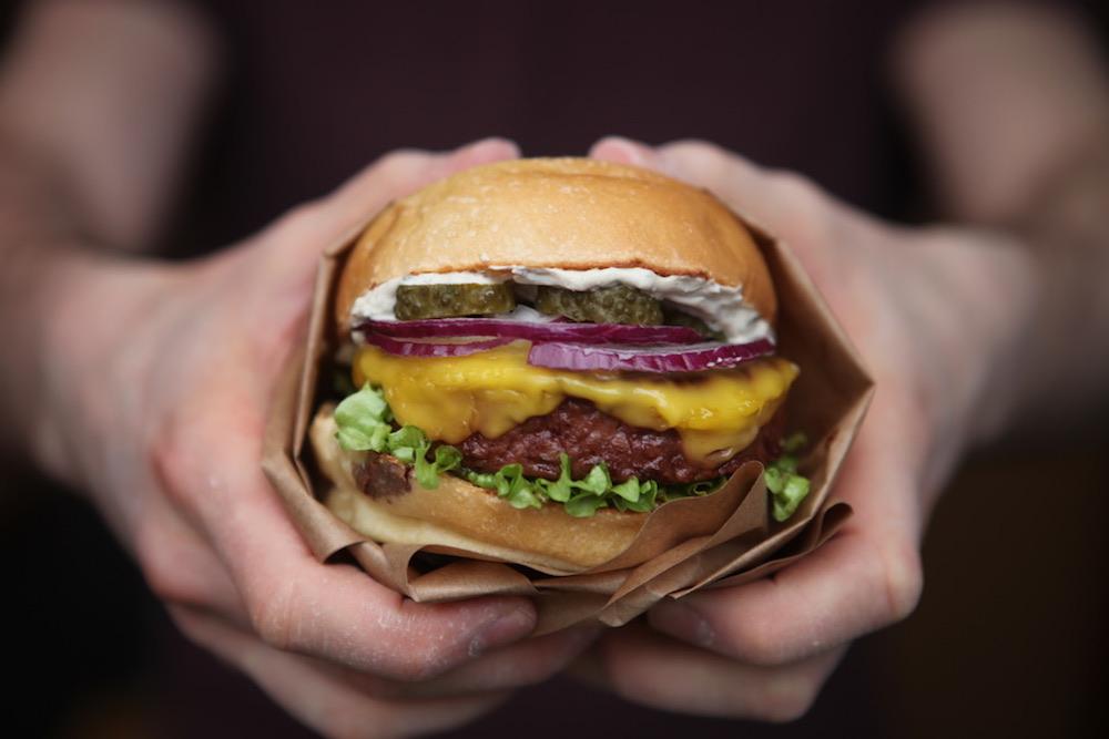 Burger Theory x les Nouveaux Fermiers : Le Minotaure, nouveau burger vegan