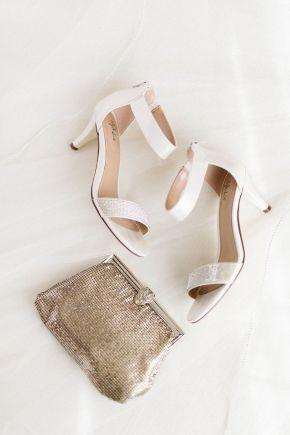 chaussures de mariée et pochette