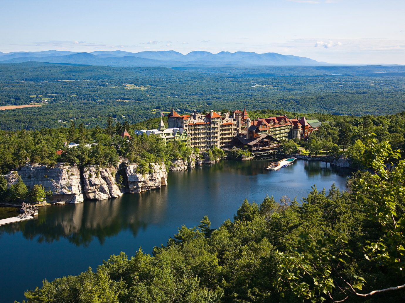 8 Best Lakeside Hotels In The U S