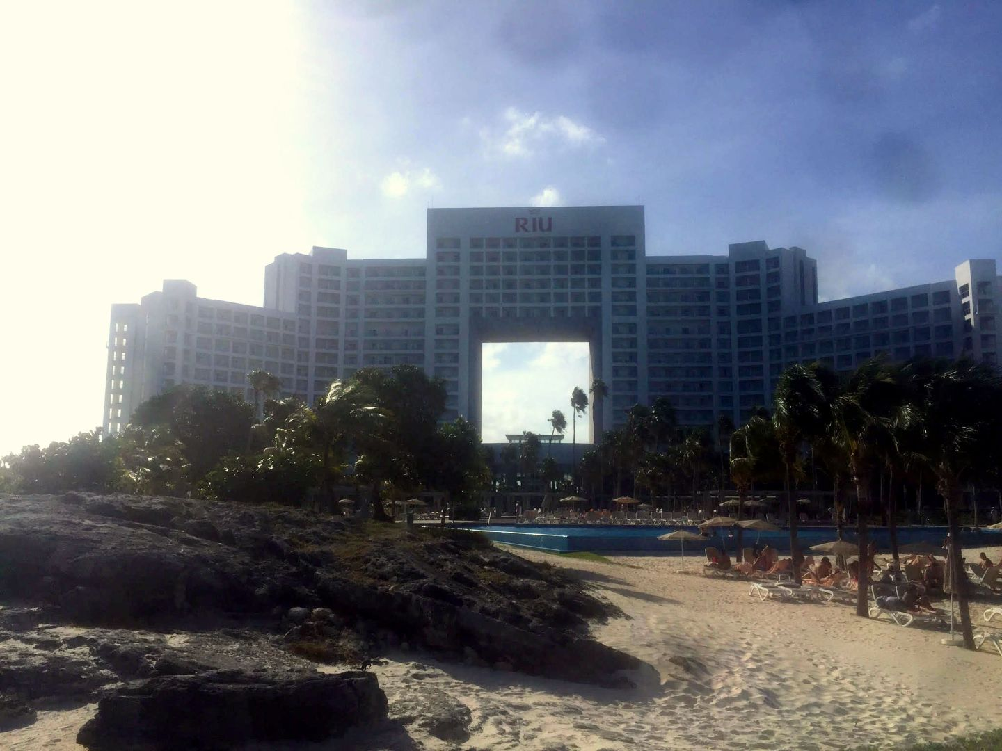 Hotel Review: RIU Palace Peninsula
