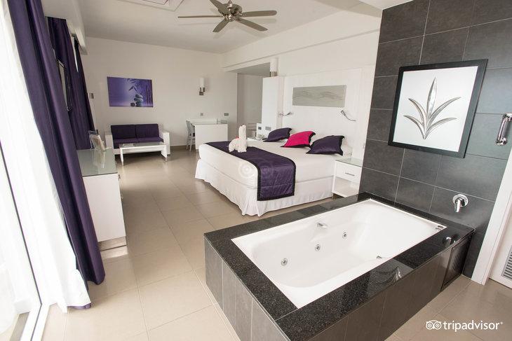 RIU Palace Peninsula Hotel Review