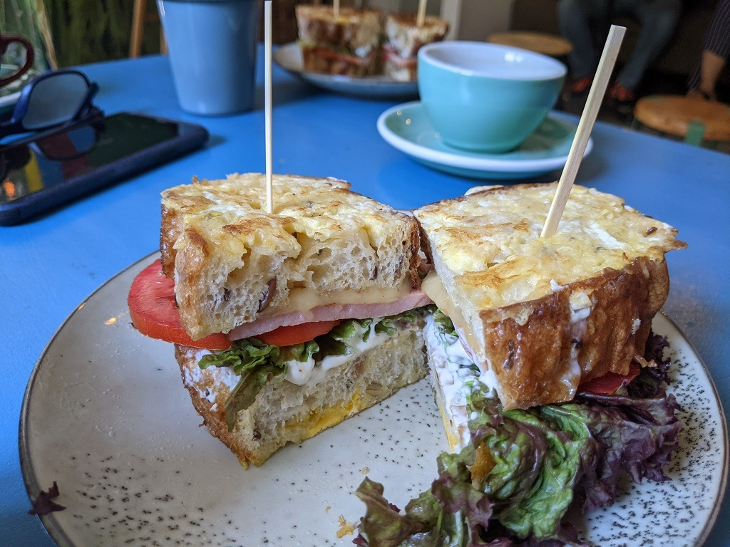 Guide to Tbilisi : Pin Pon Cafe