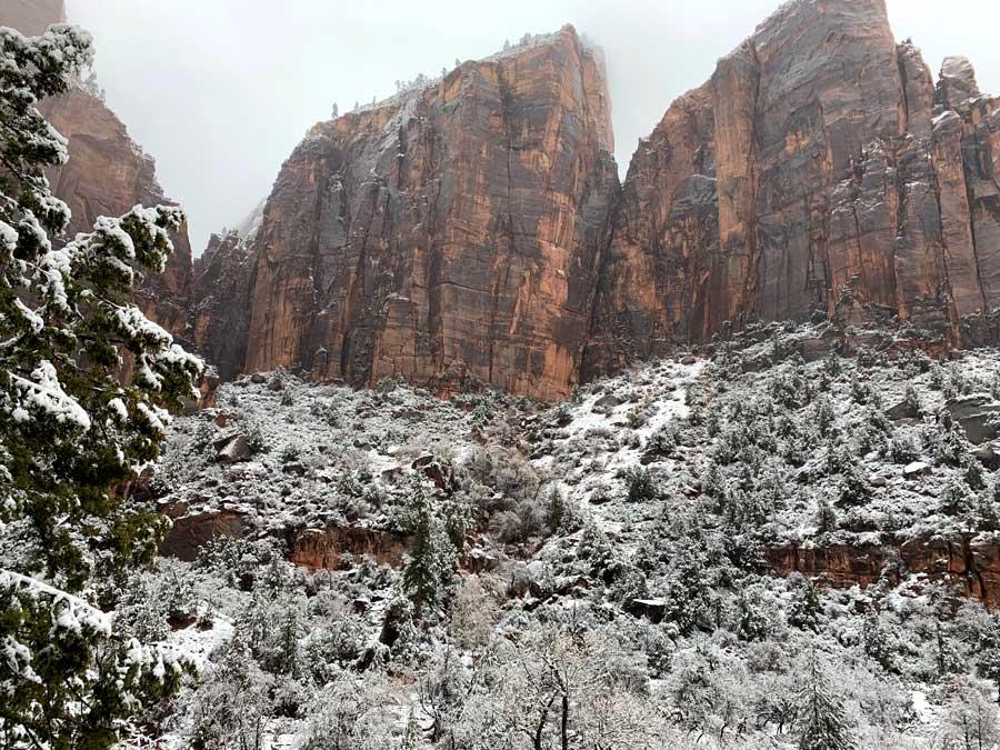 Winter, Zion