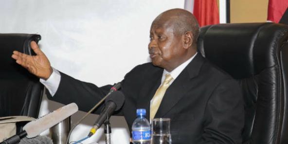 https://i2.wp.com/www.jeuneafrique.com/medias/2015/07/15/MuseveniBurundi-592x296-1450870896.jpg