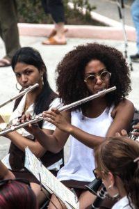 femme-instrument-flute