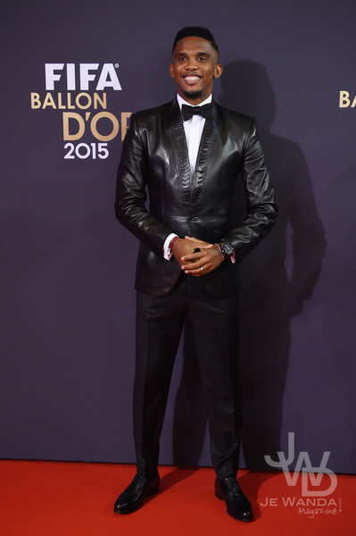 samuel-etoo-smoking-smalto-ballon-dor-2015-jewanda