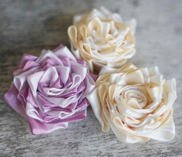 How to make flowers in ribbon fabric | Anna Sophia Tutorial