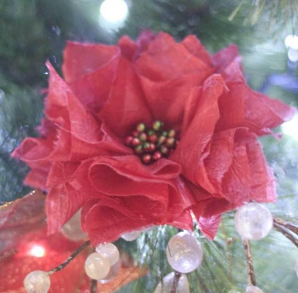 Poinsettia Fabric Flower Christmas Tree Ornament using the Carnation Tutorial