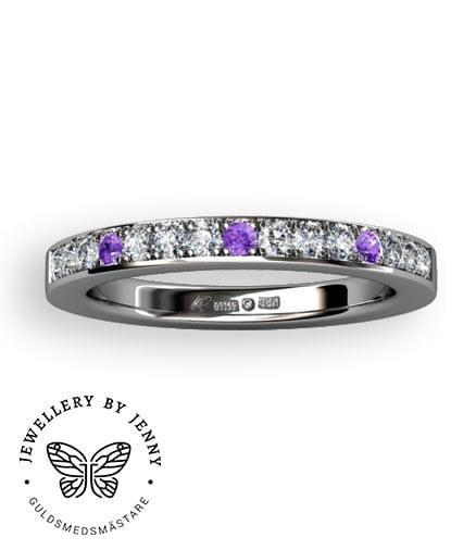 alliansring med lila diamanter
