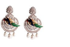 Dillano animal earring, Material Used-Diamond & Meena, Price- 4,35,000