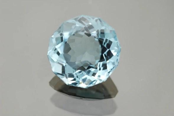 Blue zircon round shape loose gemstone